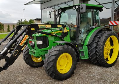 Occasion John Deere 5820 mit Frontlader Stoll